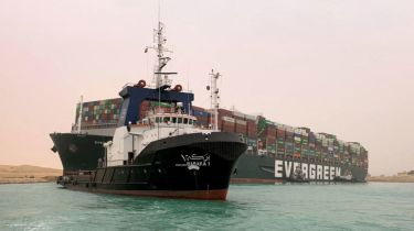 Ever Given container ship stuck in the Suez Canal ©