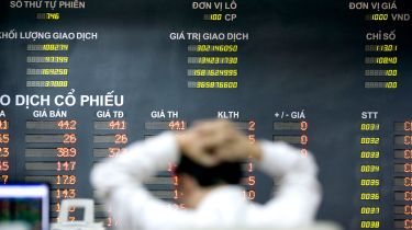 Trader at the Hanoi Securities Trading Centre © Jeff Holt/Bloomberg via Getty Images