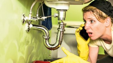 Leaking sink © Getty Images/iStockphoto
