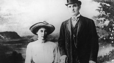 'Brides in the Bath' murderer George Joseph Smith with first victim, Beatrice Mundy © Hulton Archive/Getty Images