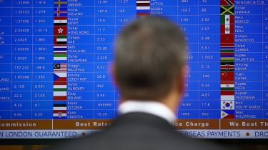 Foreign currency exchange rates © Simon Dawson/Bloomberg via Getty Images