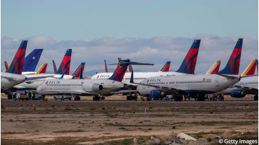 Parked Delta Air Lines planes © David McNew/Getty Images
