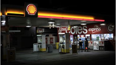 Empty Shell petrol station © James Bugg/Bloomberg via Getty Imag