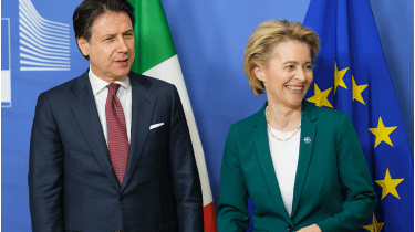 Looking up: Italy's PM, Giuseppe Conte, with EU Commission president Ursula von der Leyen