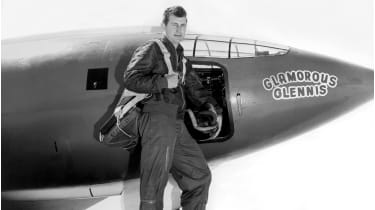Chuck Yaeger with the Bell X-1 © Underwood Archives/Getty Images