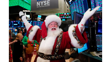 Man dressed as Santa in the NEw York Stock Exchange ©Getty Images