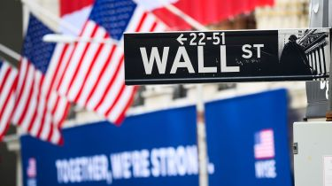 Wall Street sign ©Noam Galai/Getty Images