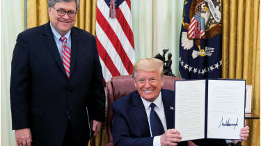Donald Trump and  William Barr © Shealah Craighead/White House Photo/Alamy Live News