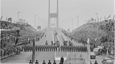 Official opening of the Severn Bridge © Ron Moran/Express/Hulton Archive/Getty Images