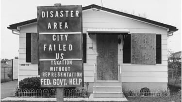 Boarded up house in the Love Canal neighborhood in Niagara Falls © Bettmann Archive/Getty Images