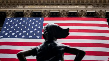 Fearless Girl statue outside the New York Stock Exchange © Robert Nickelsberg/Getty Images