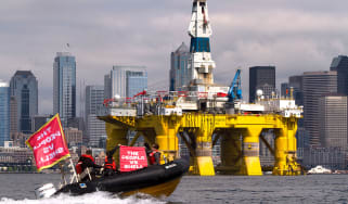 Climate protesters and Shell oil rig
