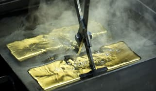 Gold bars being made © Getty images