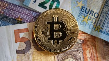 bitcoins buy euro currency