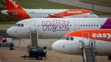 Easyjet and Wizz Air planes