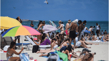 People on Miami Beach ©AFP via Getty Images