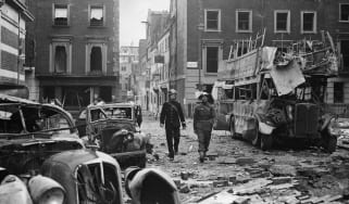 WWII bomb damage in London © Central Press/Getty Images