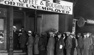 People queueing at Al Capone's soup kitchen in the 1930s © Bettmann Archive/Getty Images