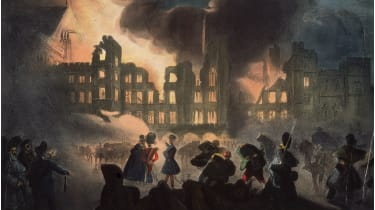 Fire consumes the medieval Palace of Westminster in London © Hulton Archive/Getty Images