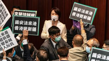 Pro-Beijing Starry Lee Wai-King faces protests from pro-democracy politicians © Anthony Kwan/Getty Images