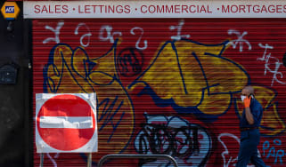 Shuttered estate agent's office © Chris J. Ratcliffe/Bloomberg via Getty Images